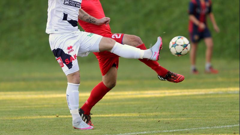 Slika: Nogometna žoga se zopet kotali