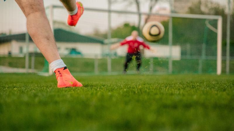Slika: Nogometaši začenjajo s treningom