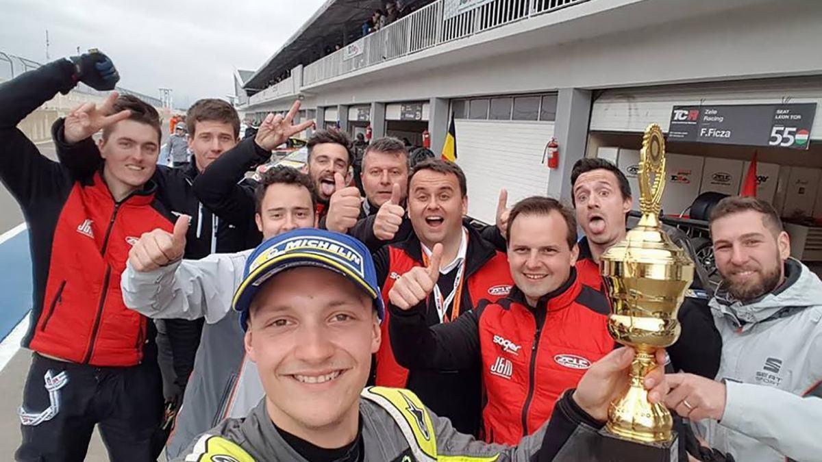 Slika: 2. mesto leta 2017 na tekmovanju TCR International Series v Georgiji.  Ekipa Zele Racing z voznikom Ferencem Ficza.  © Zele Racing